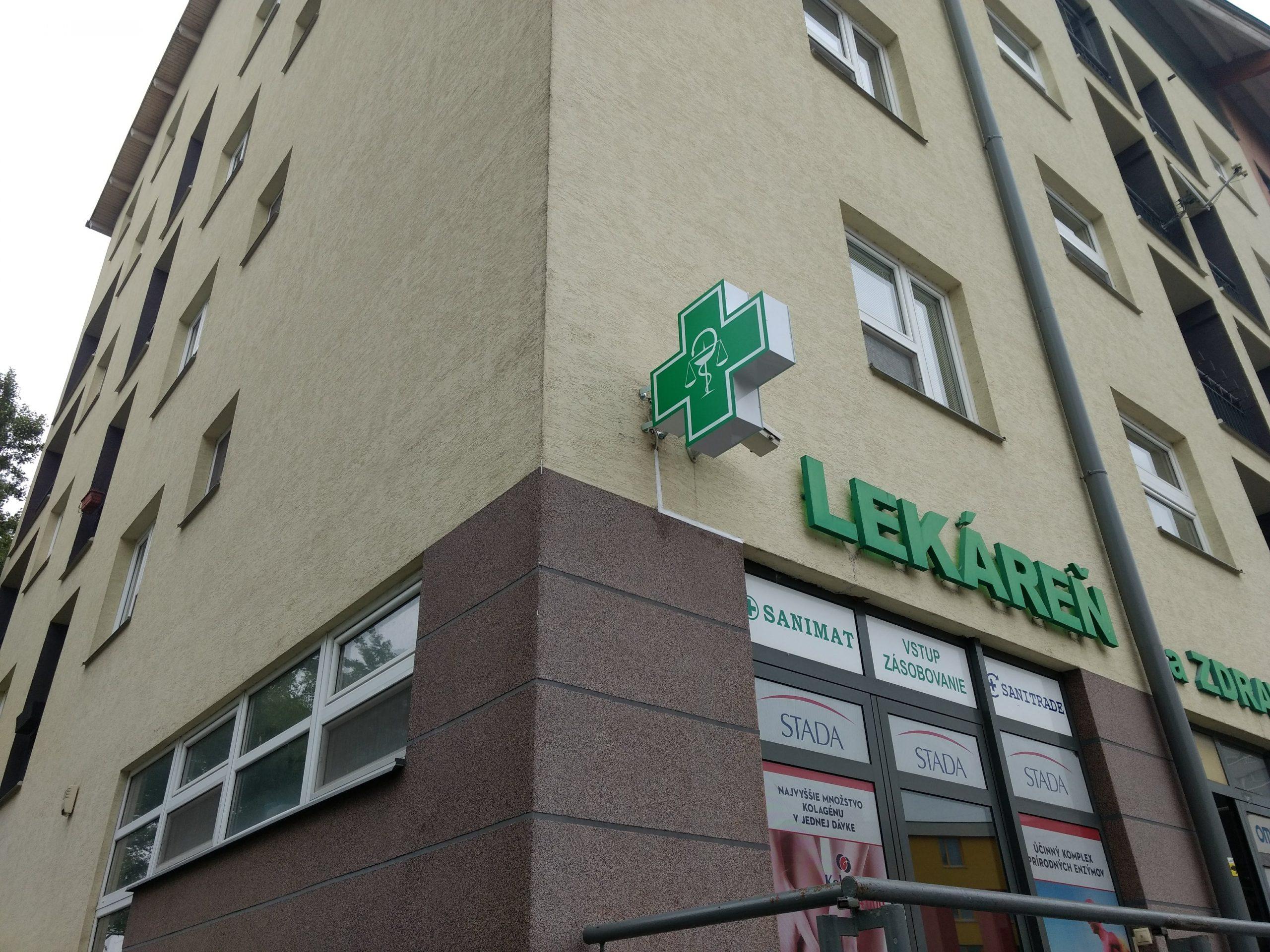 kříž pro lékárnu